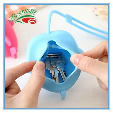 硅胶鲸鱼钥匙包 (7).jpg