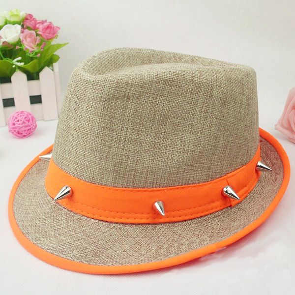 の男性と女性の夏の流入蛍光帽子