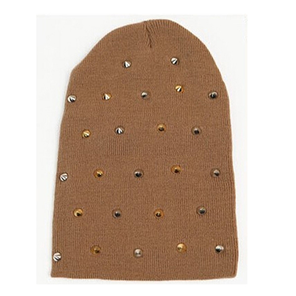 リベット付のニットビーニー帽子