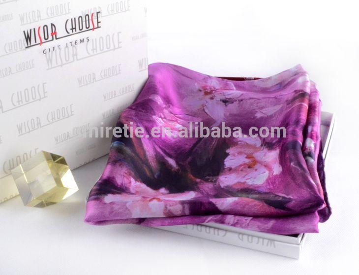 デジタルプリントのカスタムデザインのシルクスカーフ