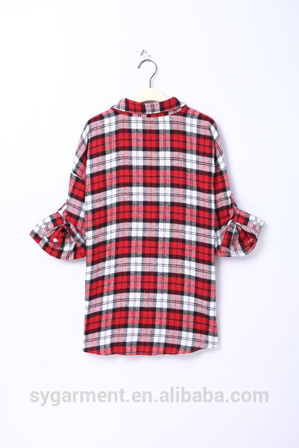 女性のファッションロングスリーブ赤格子縞のシャツ