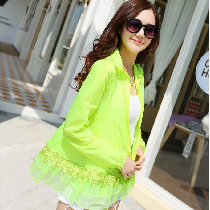 女性夏nz3382街路明るい色シャツ空気の状態