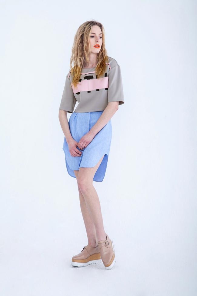 保証貿易2015amarcianヨーロッパや最新の最新のショートスタイルレディースt- シャツコントラストカラーの女性t- シャツ